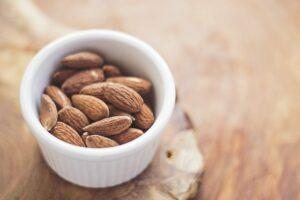 protein-in-almonds-help-lose-belly-fat